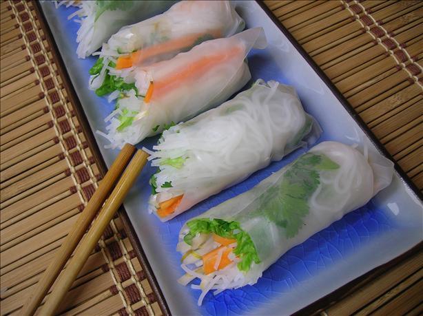 Vietnamese Cold Spring Rolls (Goi Cuon)