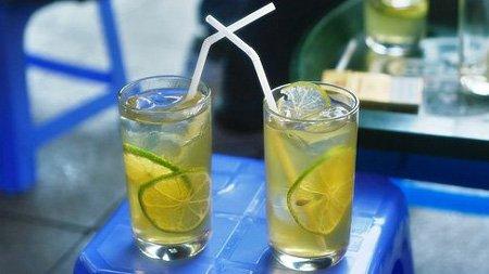 Talking big over lemon green tea