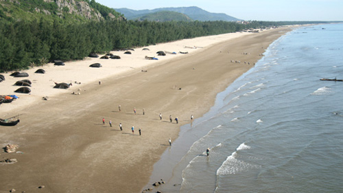 Peaceful Hai Hoa Beach