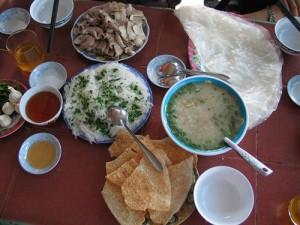 Banh хой свинья дракона - коронное блюдо в Фу Йен