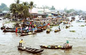 Marchés flottants dans le delta du Mékong