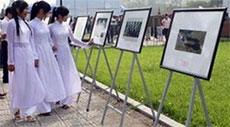 Photo exhibition on Red River Delta Civilization