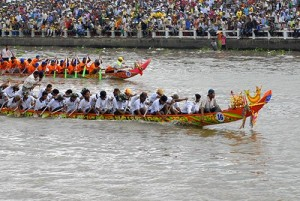 Soc Trang to host first ghe ngo boat race