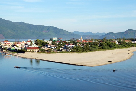 Hue beaches undergo city planning