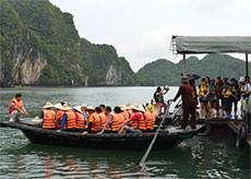 Quang Ninh welcomes over 7 million tourists in eleven months