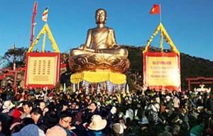 Yen Tu buddhistische Frühlingsfest beginnt