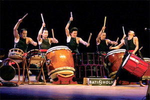 Japanese drum troupe tours Viet Nam