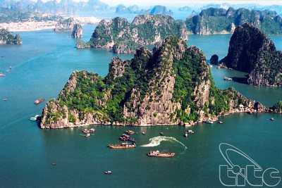 Riesentragkabel durch Ha Long Bay