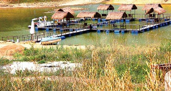 参观到Kenh哈湖