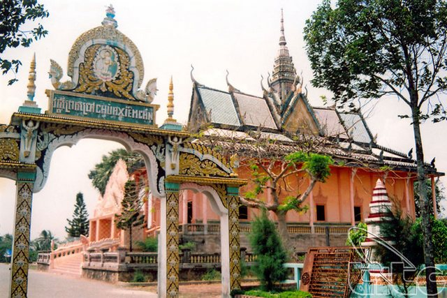 Xiem Can Pagoda - the Khmer's splendid architectural work