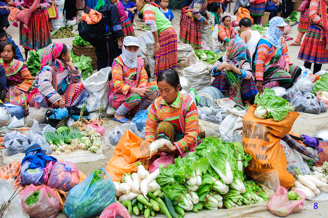 Coc Pai traditional market in Xin Man plateau-1
