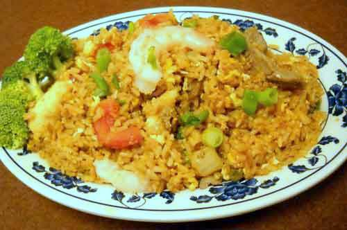 Fried rice with beef and onion
