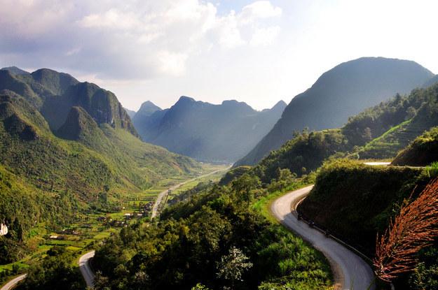 神奇景观 (照片: 河江, 越南)