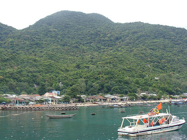 Beautiful landscape of Cham Islet