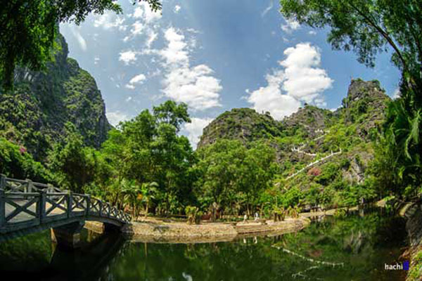 View of Tam Coc from atop Mua Cave-01