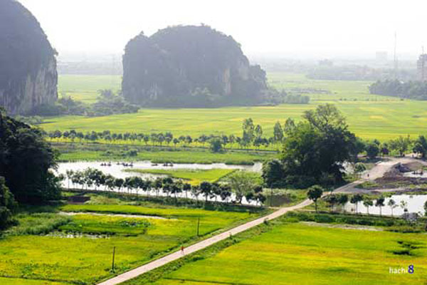 View of Tam Coc from atop Mua Cave-07