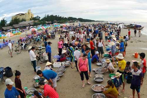 Hai Hoa Beach Fish Market-2