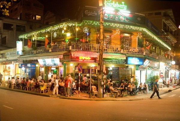 The streets for foreign visitors in Vietnam-04