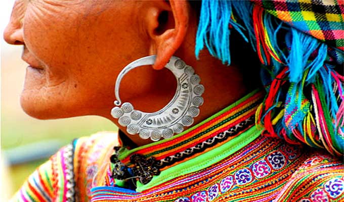 Earrings of the Mong in Son La