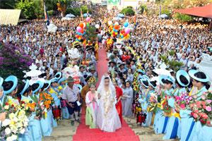 Visitors flock to Quan The Am Festival in Da Nang