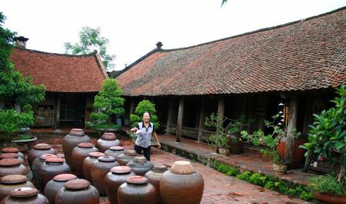 Villagers ask gov't to de-recognize national relic in Hanoi