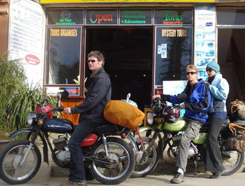 Foreign tourists not allowed renting motorcycles without a driving license