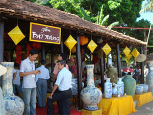Traditional craft village tourism festival opens