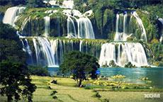 Building Ban Gioc waterfall as Cao Bang's major attraction