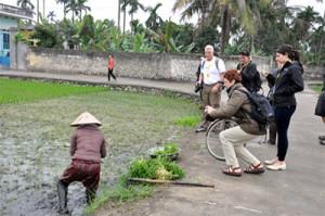Quang Ninh village tourism lures international tourists