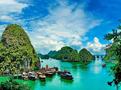 ha-long-bay-hanoi-pho-among-cant-miss-things-in-asia