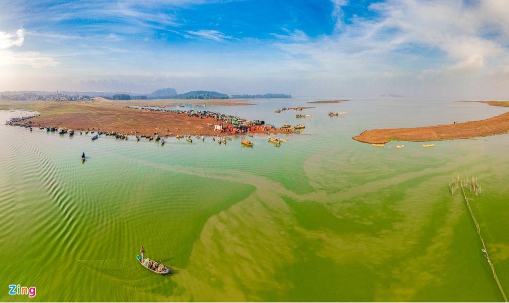 トライアン湖